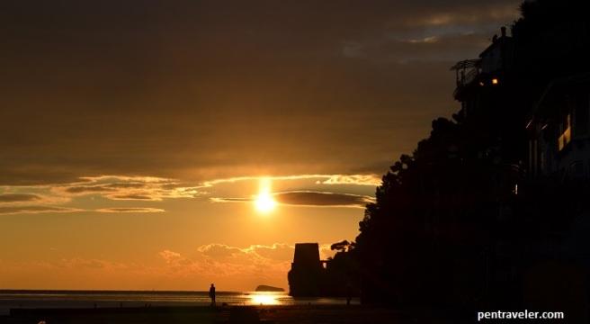 positano sunset pentraveler